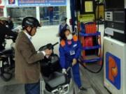 Tin trong nước - Bán đại trà xăng E5: Dân lo ảnh hưởng đến động cơ xe