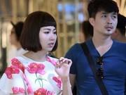 Hậu trường - Chồng sắp cưới đến phim trường thăm Lê Khánh