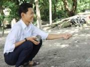 Tin nóng trong ngày - Cậu bé nghèo hiếu học thay cha mẹ chăm em từ tuổi lên 10