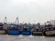 Tin tức - Cứu 8 ngư dân bị nạn trong bão Hagupit