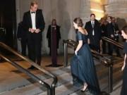 Làng sao - Công nương Kate gặp khó khăn vì váy áo rườm rà