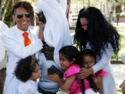 Tin tức - Người đàn ông Peru kết hôn với… cây