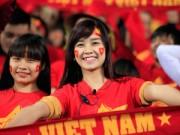 Làm đẹp - Ngắm những fan nữ xinh đẹp, trung thành của đội tuyển Việt Nam