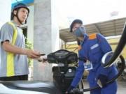 Mua sắm - Giá cả - Vì sao xăng dầu vẫn neo giá cao?