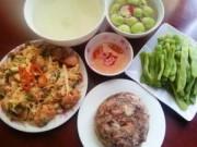 Bếp Eva - Bữa cơm có thịt nấu đông, ếch xào măng