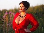 Làm đẹp - Cô gái tự hào vì có ngực tự nhiên đẹp không dao kéo