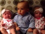 """Clip Eva - Video: Cậu bé """"sốc"""" khi lần đầu gặp 2 em sinh đôi"""