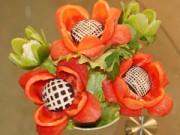 Bếp Eva - Tỉa hoa từ ớt chuông trang trí bàn ăn thêm đẹp