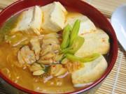 Bếp Eva - Canh kim chi nấu ngao đậu nóng hổi