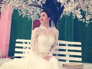 """Hậu trường - Nhật Kim Anh khoe ảnh mặc váy cưới """"trấn an"""" fans"""