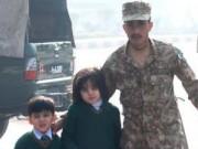Tin tức - Pakistan: Taliban vây trường học, bắn chết hơn 100 học sinh