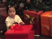 Làng sao - Xuân Lan và con gái hạnh phúc vì nhận quà Noel sớm
