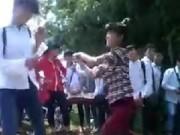 Tin tức - Choáng với clip nữ sinh Thủ đô đánh nhau