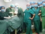 Tin tức - Sốc với bác sỹ chụp ảnh 'tự sướng' khi phẫu thuật