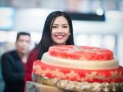 Người nổi tiếng - HH Nguyễn Thị Loan rạng rỡ về nước sau khi dự HHTG