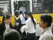 """Tin tức - Xe buýt riêng cho nữ giới: """"Hà Nội tự bôi xấu mình"""""""