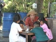Làm mẹ - Tập 9 Bố ơi: Tê Giác lại gây căng thẳng vì giành cá với Bờm