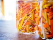 Bếp Eva - Củ cải và cà rốt ngâm chua chống ngán cho Tết
