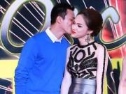 Làng sao - Hương Giang Idol ngại ngùng khi được bạn trai Việt kiều hôn