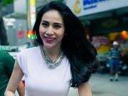 """Làng sao - Thủy Tiên đi sự kiện """"chớp nhoáng"""" sau đám cưới"""