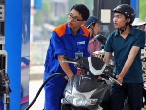 Giá xăng tăng thêm 200 đồng/lít từ 15h chiều nay