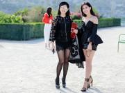 Thời trang - Mẹ chồng Hà Tăng khoe chân thon với con gái  ở Paris