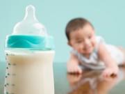 Cách pha sữa công thức chuẩn nhất cho bé theo WHO