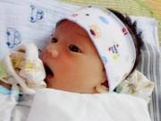 """Bà bầu - Nhật ký 3 tuần sau sinh """"sống trong lo sợ"""" của mẹ 9x"""