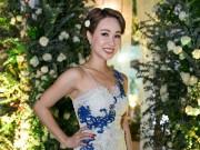 Uyên Linh xuất hiện ngày càng gợi cảm tại sự kiện