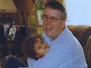 Tin tức - Mải nhắn tin Facebook, cô gái lái xe đâm chết 2 bố con