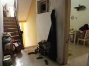 """Tin tức - Ảnh: Hành lang hoen bẩn ở nơi """"chui hầm đi nhờ thang máy"""""""
