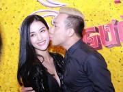 """Làng sao - Trấn Thành ôm hôn """"tình cũ"""" Mai Hồ trong sự kiện"""