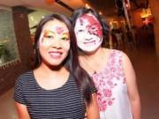 Chùm ảnh: Phụ nữ, trẻ nhỏ hóa trang bí ẩn ngày Halloween