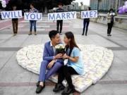 Eva Yêu - Bạn gái có thai, chàng trai cầu hôn bằng 4500 chiếc tã