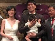 Làng sao - Tình cũ Từ Hy Viên khoe con gái trong ngày cưới