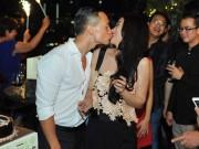 Làng sao - Trương Ngọc Ánh hôn Kim Lý trong tiệc sinh nhật