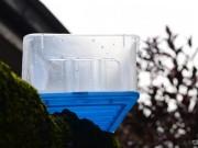 Cẩn thận với mùi khó chịu trong hộp nhựa chứa chất độc hại