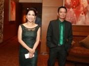 Diva Mỹ Linh thanh lịch cùng chồng dự sự kiện