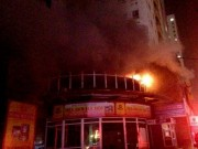 Tin tức - HN: Cháy chung cư 25 tầng lúc nửa đêm, cư dân hoảng loạn