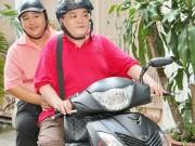 Xem & Đọc - Minh Béo đi xe máy tham gia chương trình