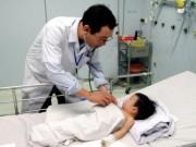 Sức khỏe - Sơ cứu tai nạn sai, nguy cho trẻ