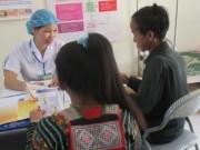 Tin tức - Xót xa trẻ nhiễm HIV do… bú sữa dì