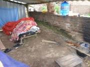 Bên trong túp lều của nghi can vụ giết người ở Thạch Thất