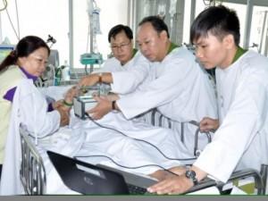 Cuối tuần vào bệnh viện làm CMND cho bệnh nhân