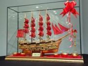 Nhà đẹp - Bày thuyền buồm chở vàng bạc vào nhà