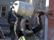 """Ngày mới - Ớn lạnh kho vũ khí """"khủng"""" tự chế của IS ở Iraq"""