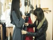 Thời trang - Lê Thúy hào hứng thử đồ cho nhà thiết kế Lê Hà