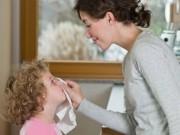 Tin tức cho mẹ - Vệ sinh mũi cho bé đúng cách như thế nào?