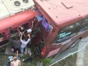 Tin tức - Tai nạn thảm khốc trên cao tốc, 12 người thương vong