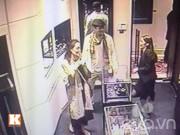 Làng sao - Angelina Jolie - Brad Pitt đến cửa hàng bạn của HH Ngọc Hân